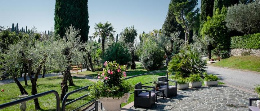 Hotel Mon Repos Garden.jpg